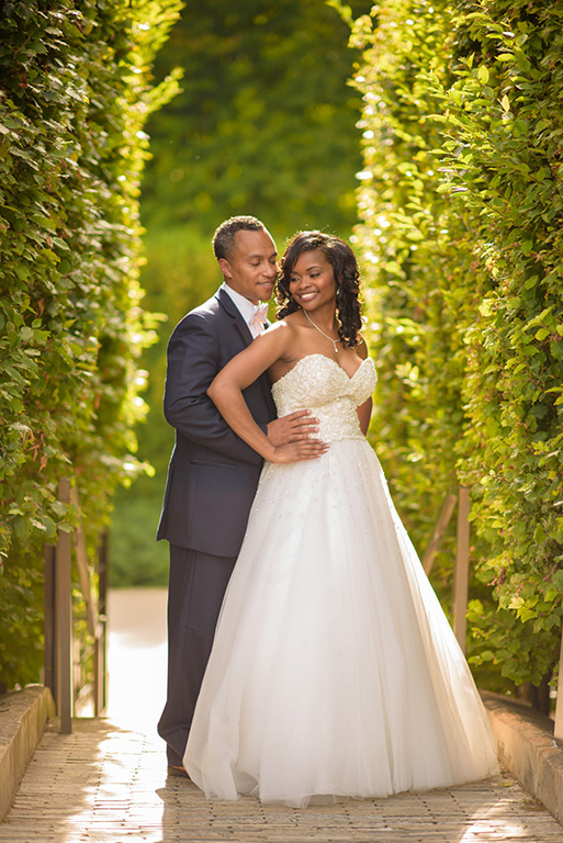 Bride Groom Chicago Lurie Garden Wall Hedge entree